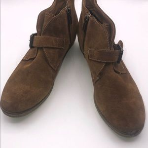 Franco Sarto ankle bootie shoes in size 8.5